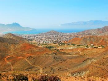 CABO VERDE- Isla de Sao Vicente hasta el 31 de Octubre desde península con TAP